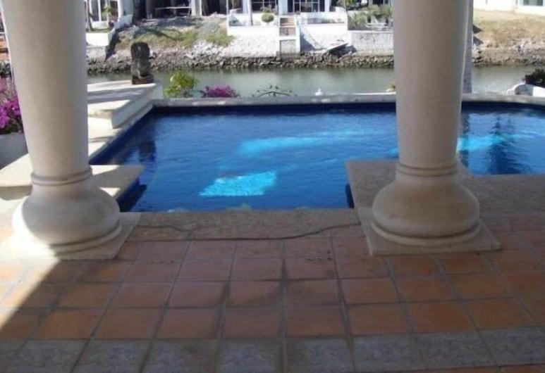 Casa Cid by LATAM Vacation Rentals, Mazatlan