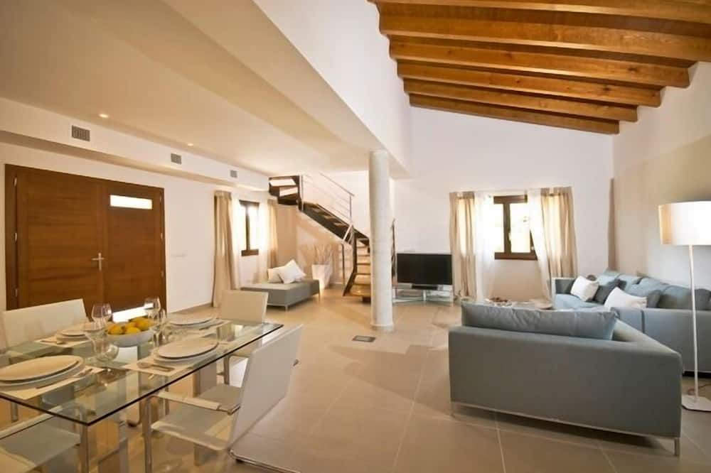 Villa, 3 Bedrooms, Private Pool, Mountain View - Living Area