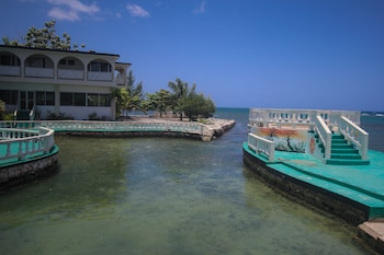 Picture of Sahara Hostel in Montego Bay