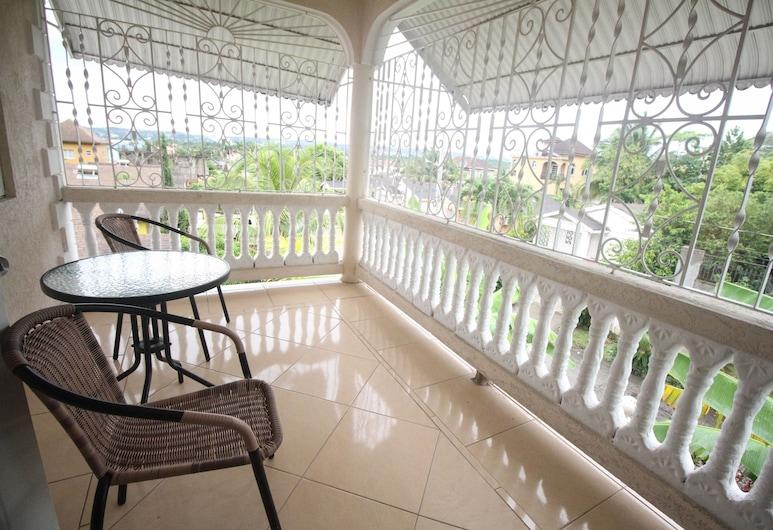 Summer Breeze Vacation Home, Montego Bay, Residenza Executive, 2 camere da letto, vasca da bagno, Terrazza/Patio