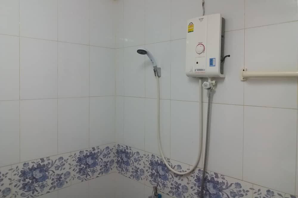 Standard Room - Vannasistabas duša