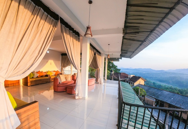 Romance Hills Hotel, Kandy, Deluxe Double Room, 1 Katil Ratu (Queen), Mountain View, Ruang Tamu