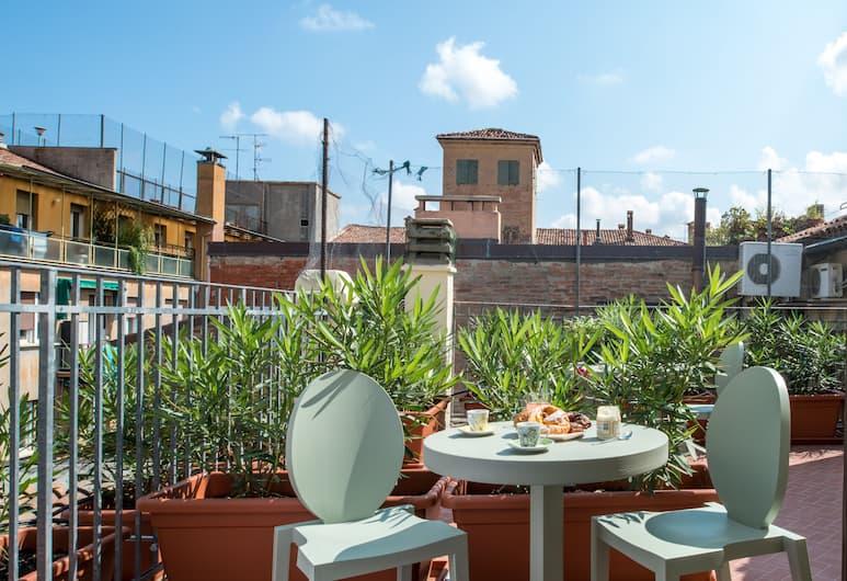 L'8 Boutique Design Apartments, Bologna, apartman, terasz, Terasz/udvar