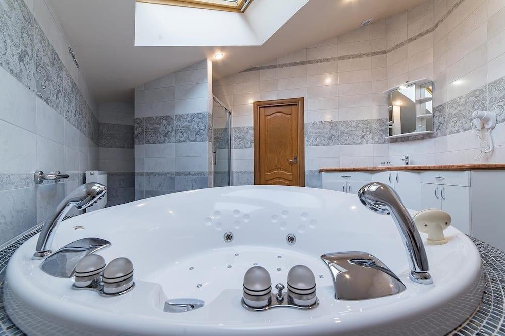 Luxury Room (Number 6) - Bathroom