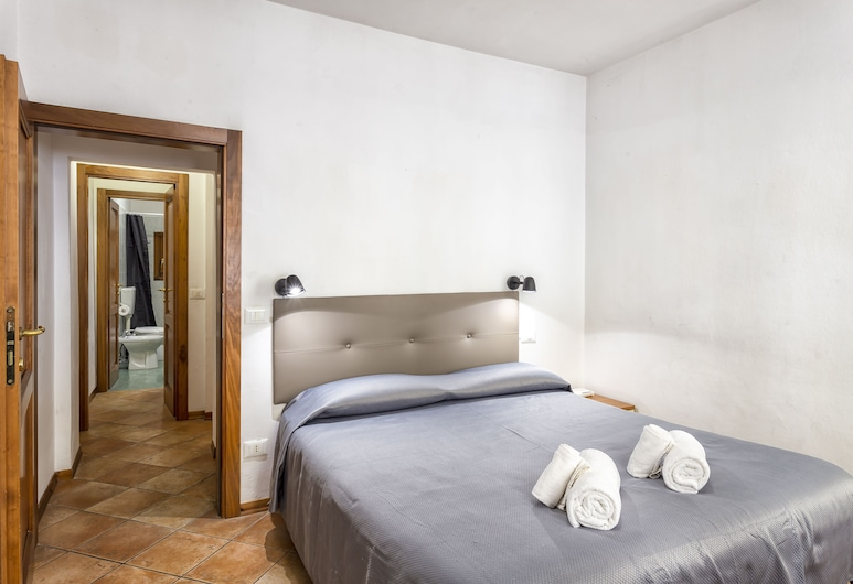 Apartments San Lorenzo, Florence, City Apartment, 2 Bedrooms (Location: Via G.Battista Zannoni 6 I), Room
