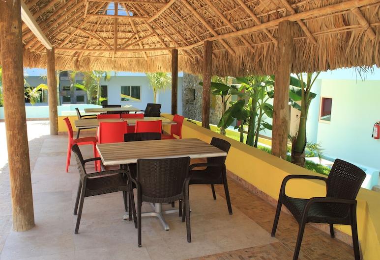 Miami Inn Hotel, Nuevo Vallarta, Terrasse/Patio