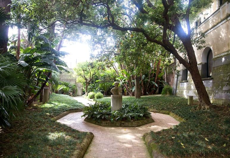 Villa Gallone, Sorrento, Garden