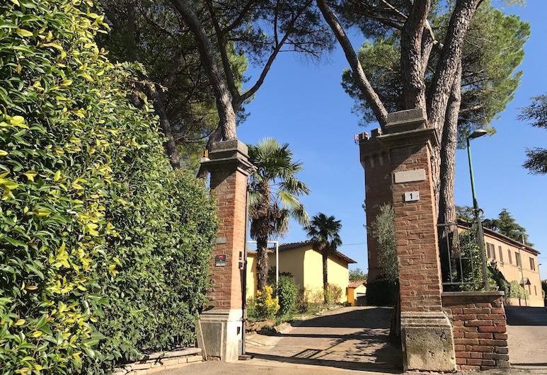 Villa Paola Design , Siena, Parco della struttura