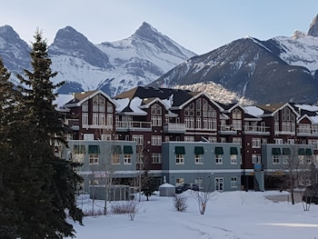 Slika: Sunset Mountain Inn and Spa ‒ Canmore