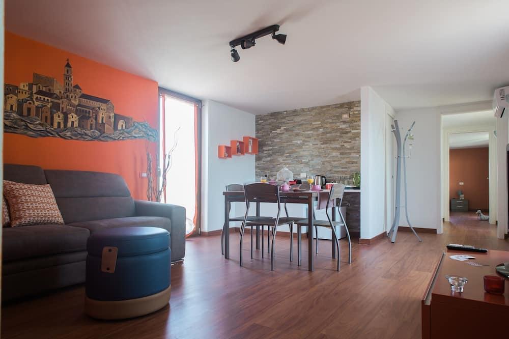 Superior Apartment, 2 Bedrooms, Terrace - Living Area