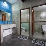 4 Bed Family Room  - Kúpeľňa