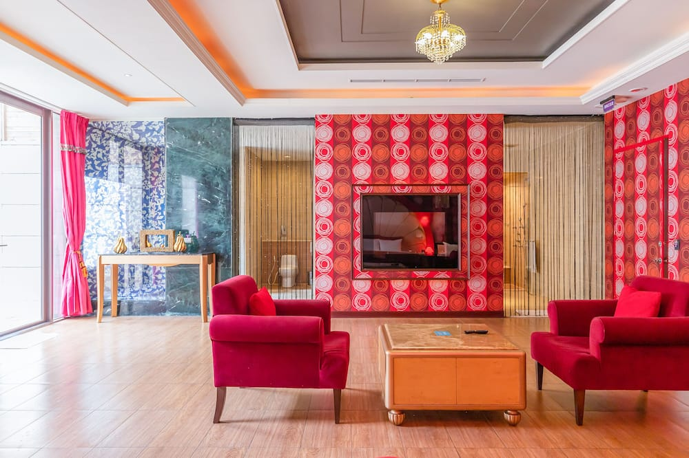 Exclusive Double Room - Living Area