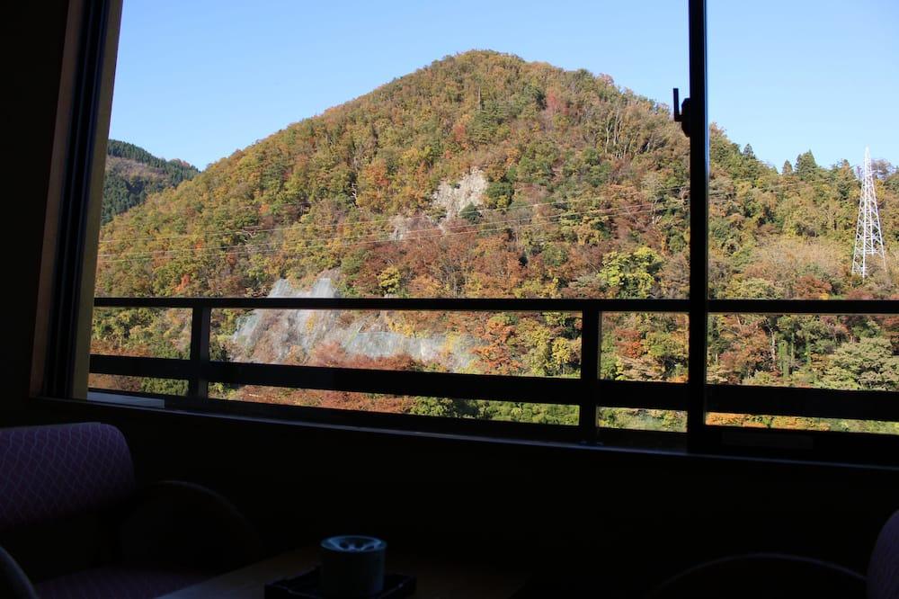Tradičná izba (Japanese Style, 12.5 Tatami-mats) - Výhľad na hory