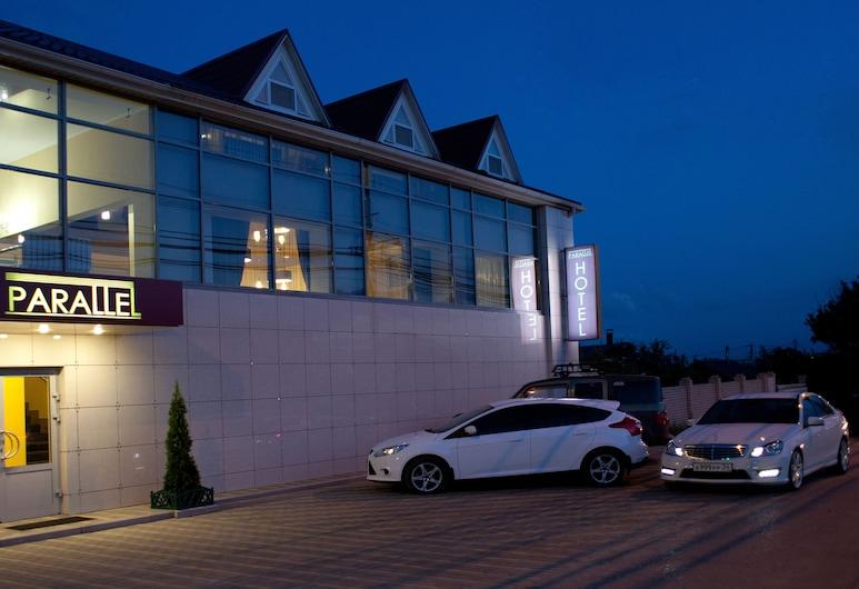 Parallel Hotel, Volgograd, Hotel Front – Evening/Night
