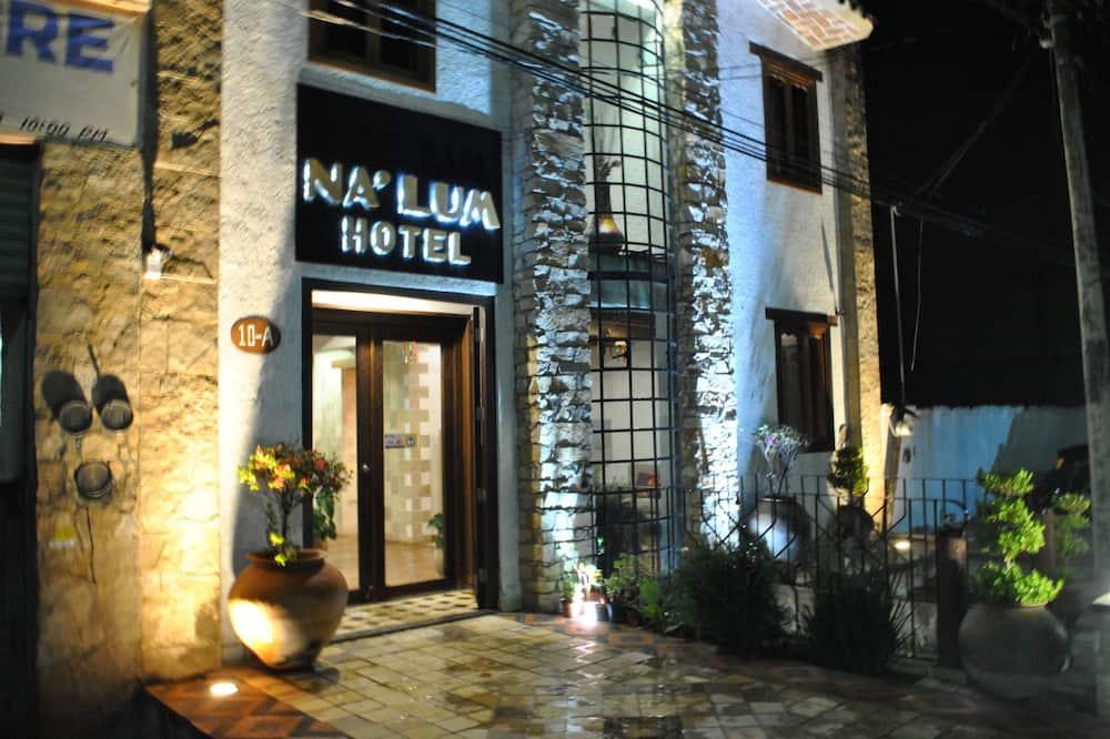 Hotel Na'Lum