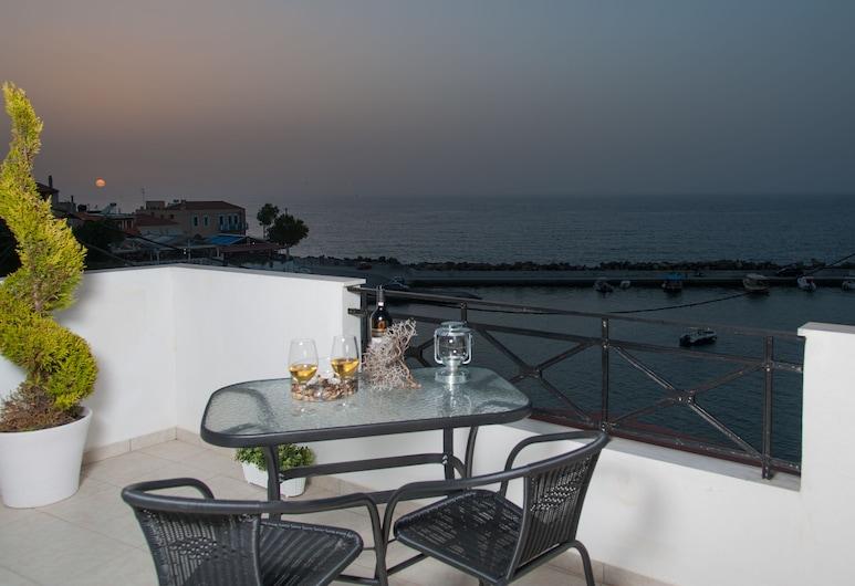 Castello Apartments, Mylopotamos, Superior Apartment, Terrace/Patio
