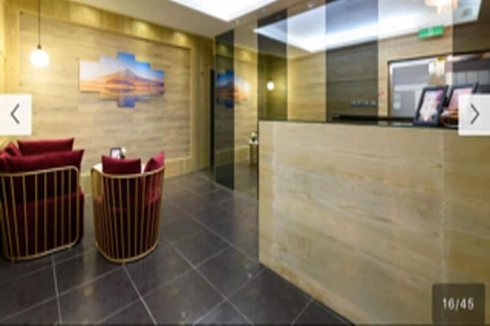 Habitación Premium, 1 cama Queen size, vista a la ciudad, en la esquina - Sala de estar