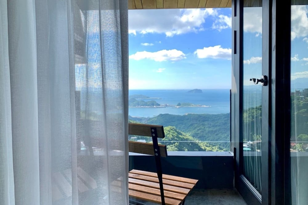 Premier Double Room, 1 Bedroom, Balcony, Sea Facing - Balcony