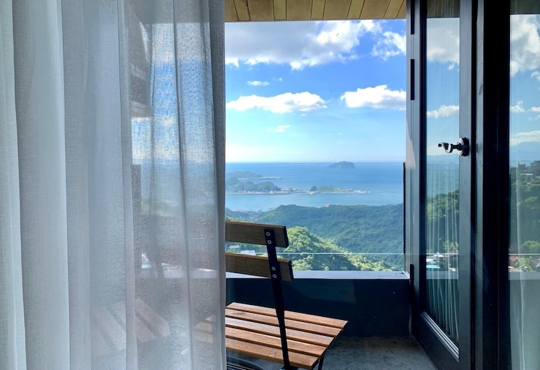 Something Easy Inn, New Taipei City, Premier Double Room, 1 Bedroom, Balcony, Sea Facing, Balcony
