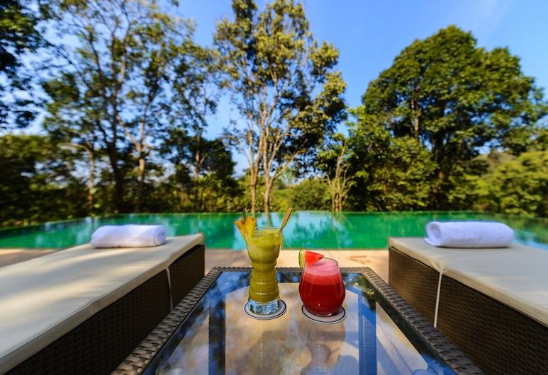 Wayanad Wild Rainforest lodge by CGH Earth, Vayittiri, Outdoor Pool
