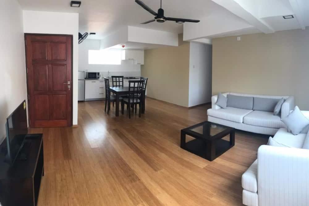 Deluxe Apart Daire, 2 Yatak Odası, Sigara İçilmez, Küçük Mutfak - Oturma Alanı