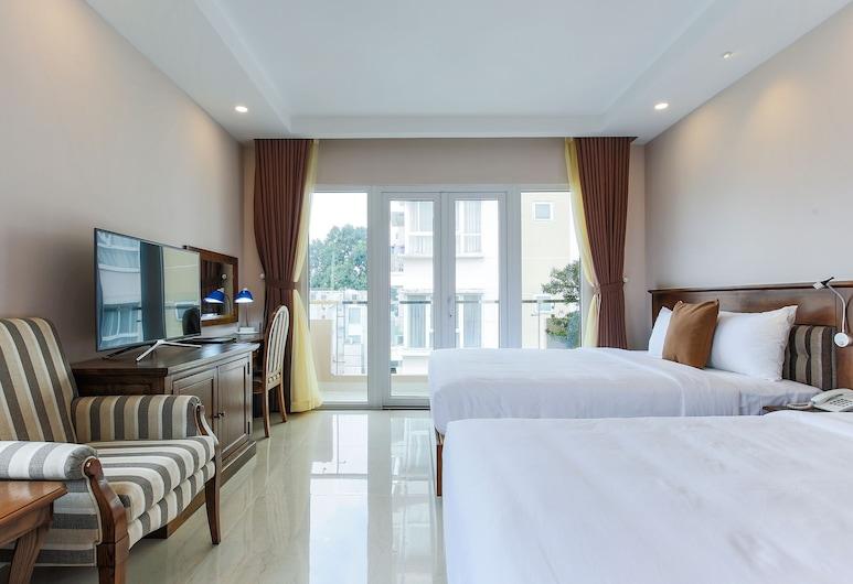 Hoang Lan Hotel, Ho Chi Minh City, Familjerum - 2 dubbelsängar - utsikt mot staden, Gästrum