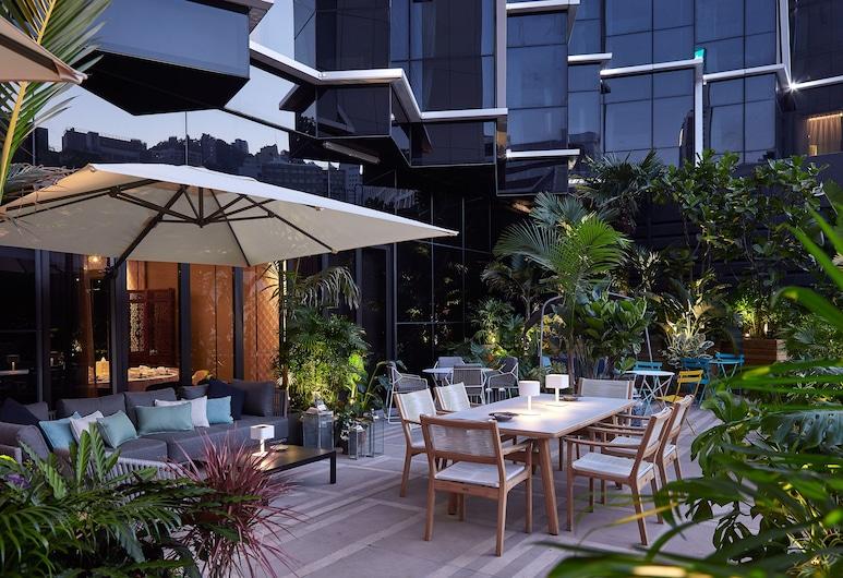 The Emperor Hotel, Hong Kong, Garden