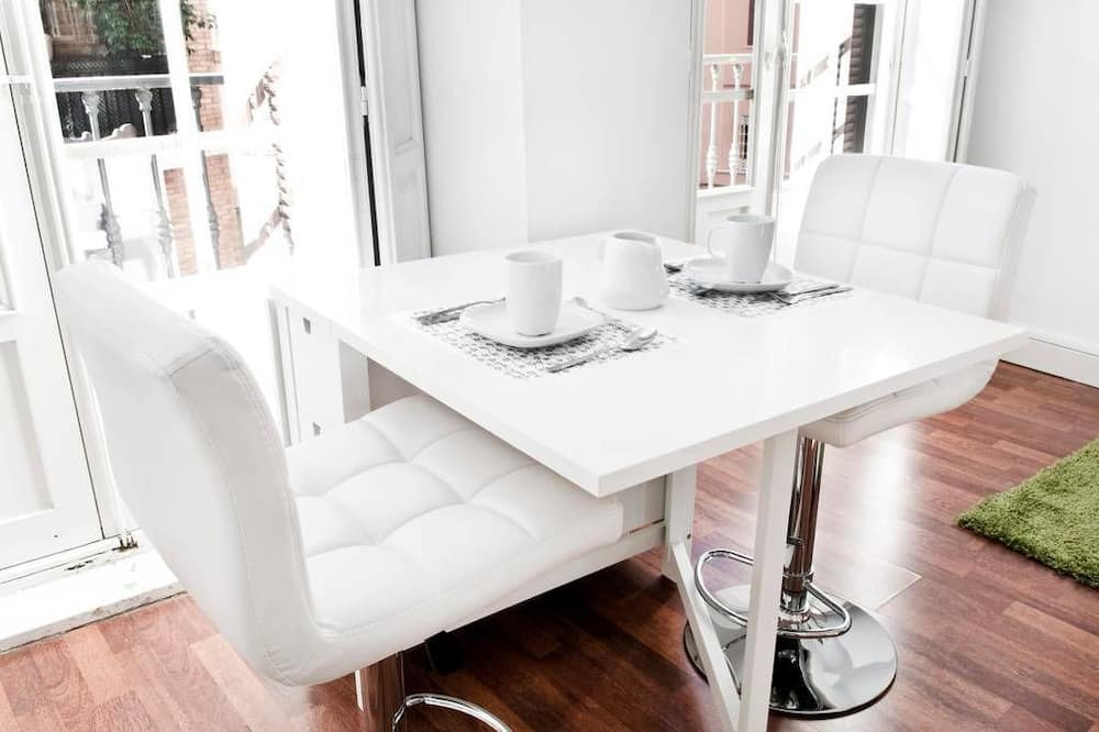 Deluxe Apartment (2nd Floor) - In-Room Dining