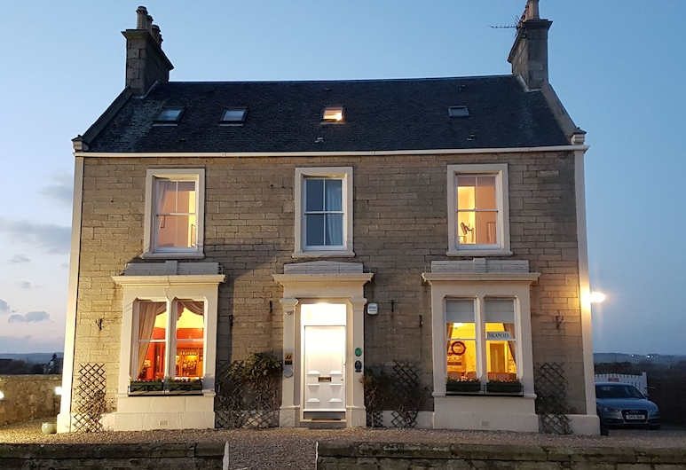 The Spindrift Guest House, Anstruther, Hotel Front