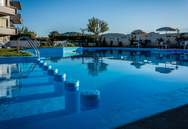 Nereides Hotel, Platanias, Piscina al aire libre