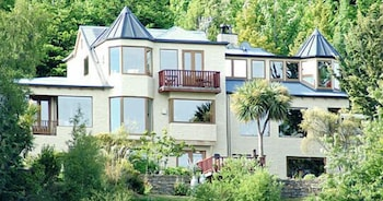 Picture of Pencarrow Luxury Lodge in Queenstown