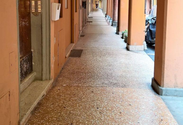 Aurelio's Apartments, Bologna, Buitenkant