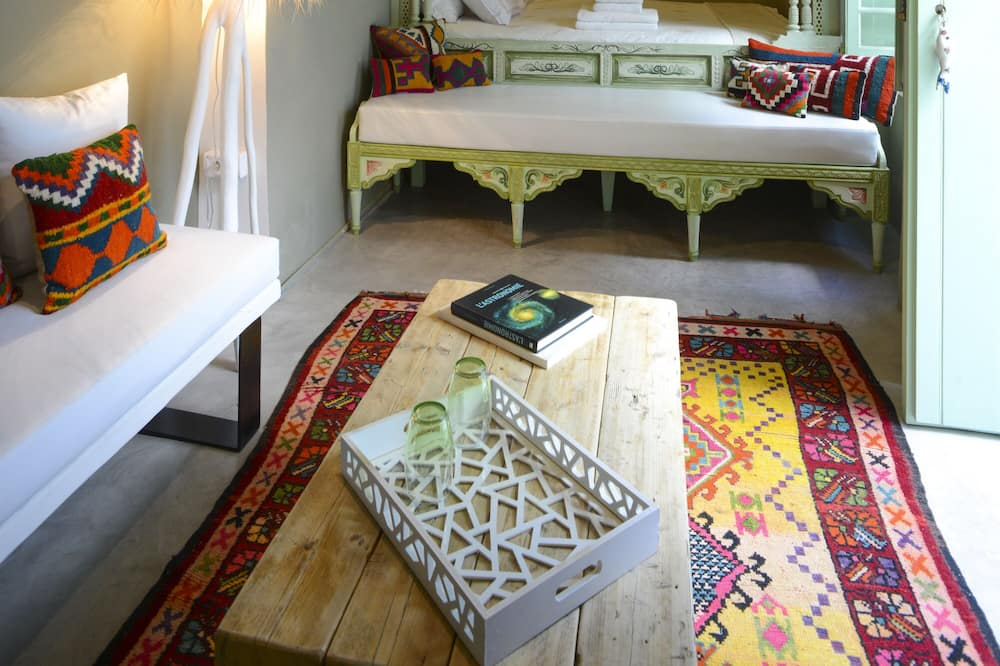 Suite EL FELL - Зона гостиной