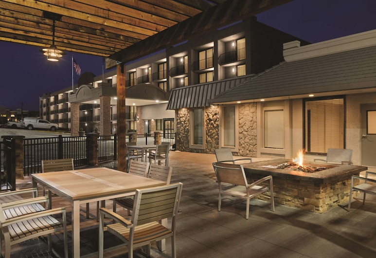 Country Inn & Suites by Radisson, Erlanger, KY - Cincinnati Airport, Erlanger, Terraza o patio