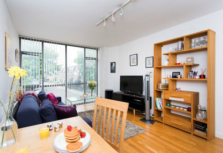 Beautiful and Bright 1BR Flat in Islington, London, Apartment, 1 Bedroom, Living Room