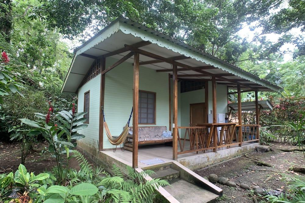 Classic Bungalow, 2 Bedrooms, Garden View, Garden Area - Room