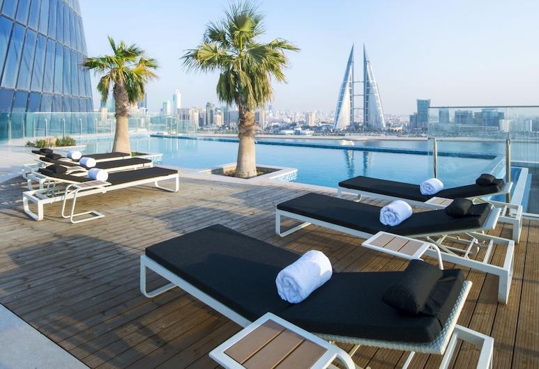 Wyndham Grand Manama, Manama, Piscina al aire libre