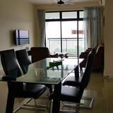 Apartment, 3 Bedrooms, Lake View - Ruang Tamu