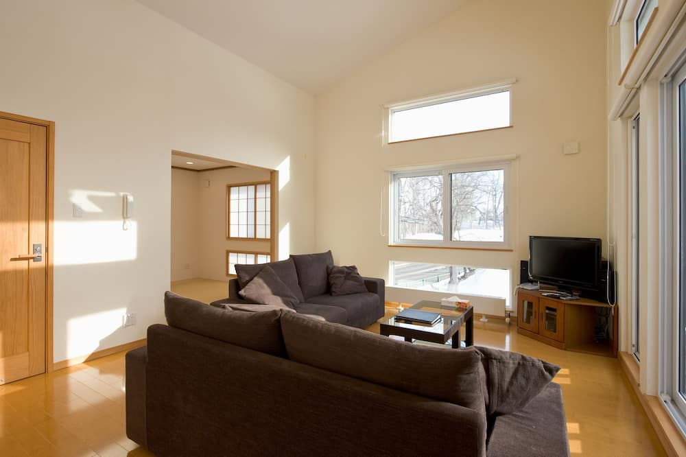 3-Bedroom House - Living Area
