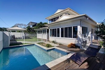 Picture of Away on Seaview Street in Byron Bay