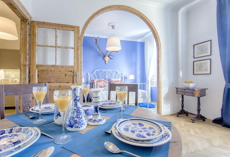 Tyzenhauz Apartments - Classic, Krakow, Classic Apartment, 1 Queen Bed with Sofa bed, Kitchen (Lobzowska Street 15/16), Room