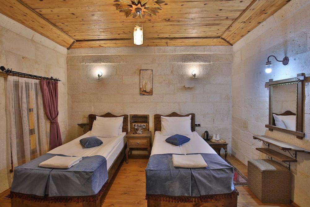 Zelve Deluxe Konak Room - Living Area