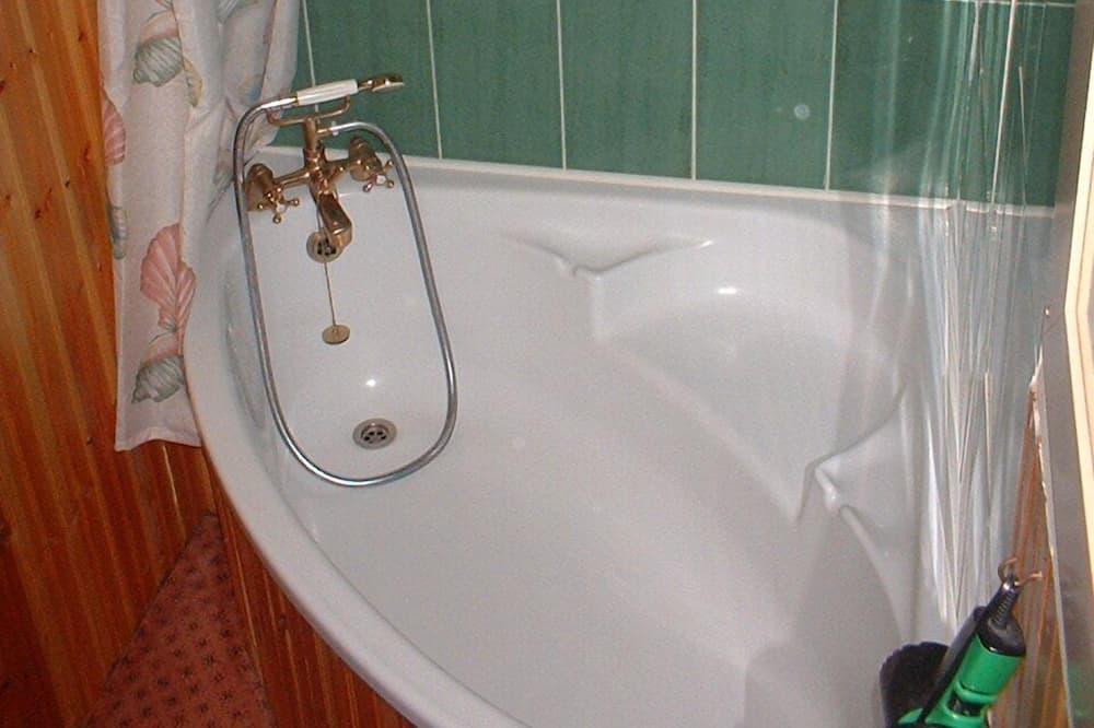 Pokój dwuosobowy, z łazienką - Łazienka