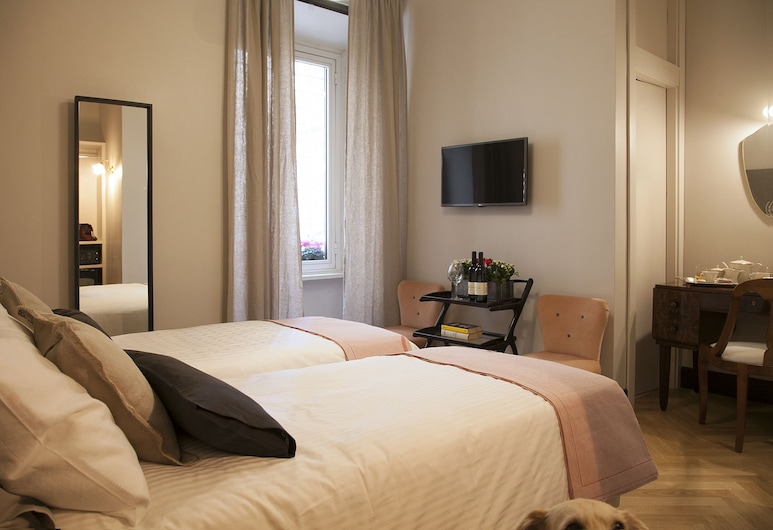 Santa Monica Luxury Rooms, Rome, Classic Double or Twin Room, Guest Room