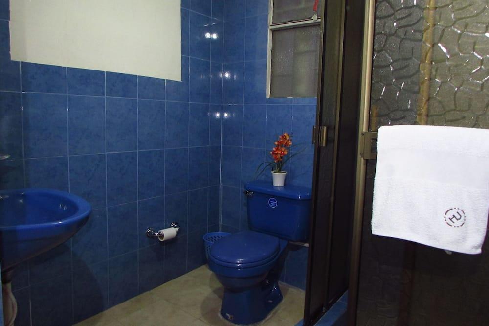 Традиційний двомісний номер, 1 двоспальне ліжко - Ванна кімната