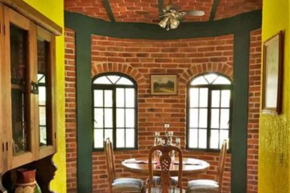 Family Villa, 2 Yatak Odası - Odada Yemek Servisi