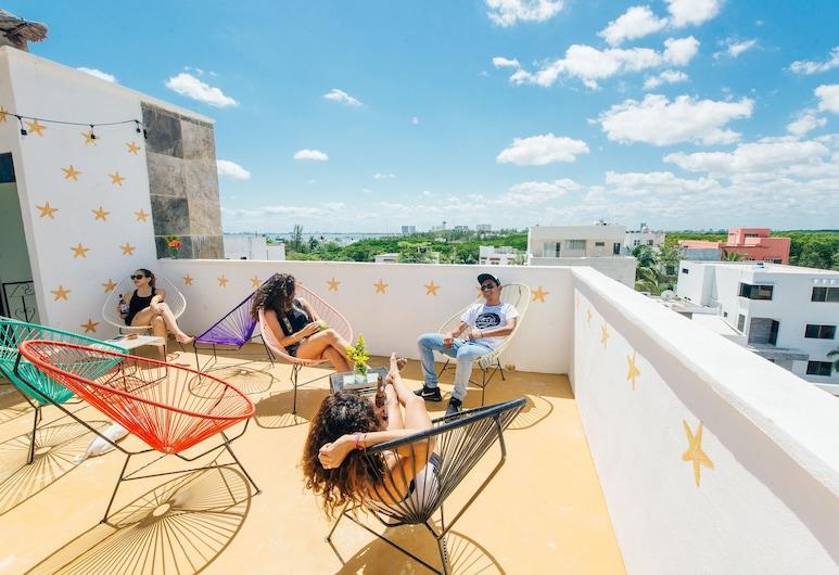 The Mermaid Hostel Beach - Adults Only, Cancun, Terrasse/veranda