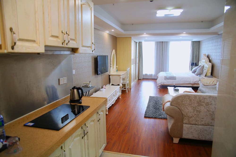 Deluxe King Room - Private kitchenette