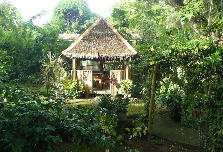 Little Bridges Bed and Breakfast, Mambajao, Overnattingsstedets eiendom