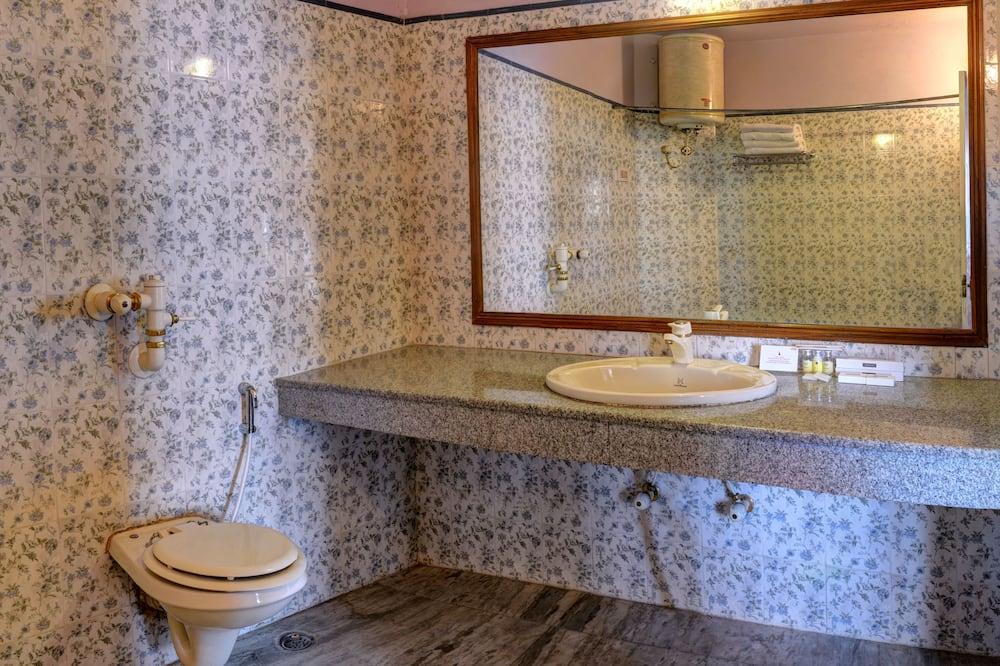 Perhehuone, 1 makuuhuone - Kylpyhuone